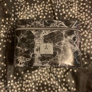 Jeffree Star Cosmetics Black Marble Travel…